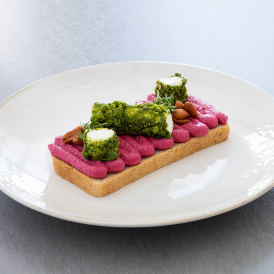 Open sandwich with beetroot and goat's cheese